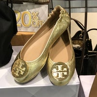 Photo taken at Tory Burch - Outlet by Miff on 5/6/2017