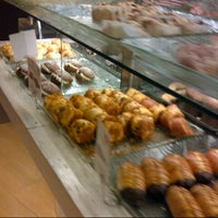 Photo taken at J.Co Donuts & Coffee by Donna on 10/29/2012