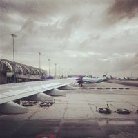 Photo taken at Gate B1B by Guntapong B. on 9/30/2013