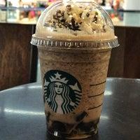 Photo prise au Starbucks par Guntapong B. le4/19/2018