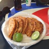 Foto tomada en Tacos Juan por Alejandro M. el 3/3/2013