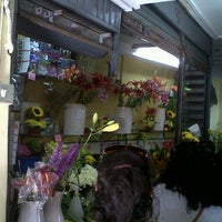 Photo taken at Mercado El Edén by Fpietro V. on 12/31/2012