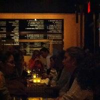 Photo prise au Bar Jamon par Kristine B. le11/19/2012