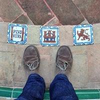 12/24/2013 tarihinde Barrett S.ziyaretçi tarafından 383. Cathedral, Alcázar and Archivo de Indias in Seville (1987)'de çekilen fotoğraf