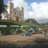 Photo taken at Feira Orgânica do Carmo by Niedja C. on 9/28/2013