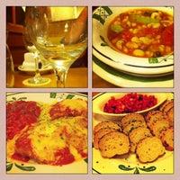 Foto tomada en Olive Italian Restaurant por Carla C. el 4/7/2014