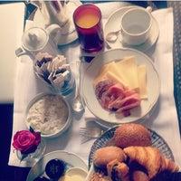 Photo taken at Hôtel Thoumieux by Zehra E. on 7/20/2014