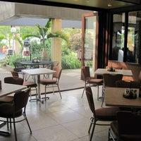 Photo taken at Tonino's Pizza & Italian Eatery by Tonino's Pizza & Italian Eatery on 6/24/2014