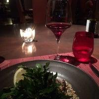 Photo taken at Canvas Bar & Restaurant by Fabiana R. on 4/12/2015