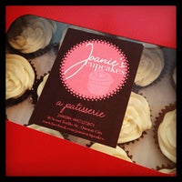 Photo taken at Joanie's Cupcakes by Örangemylesy on 2/13/2013