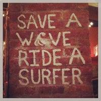 รูปภาพถ่ายที่ Réunion Surf Bar โดย Gail A. เมื่อ 6/3/2013
