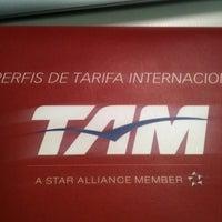 Foto tirada no(a) TAM Viagens por Fernando M. em 6/13/2012