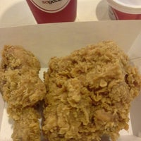 Photo taken at KFC by Wee Meng on 12/16/2013