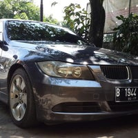 Photo taken at Cakra BMW by Teddy C. on 11/11/2013