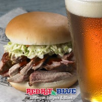 Photo taken at Red Hot & Blue  -  Barbecue, Burgers & Blues by Red Hot & Blue  -  Barbecue, Burgers & Blues on 7/2/2014