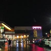 Photo taken at Cinetopia by Jason L. on 11/1/2012