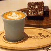 10/31/2014 tarihinde Coffee Brew Labziyaretçi tarafından Coffee Brew Lab'de çekilen fotoğraf