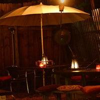 6/27/2014 tarihinde Skylark Loungeziyaretçi tarafından Skylark Lounge'de çekilen fotoğraf