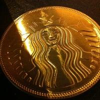 11/30/2012 tarihinde Deniz B.ziyaretçi tarafından Starbucks'de çekilen fotoğraf