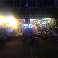 Photo taken at Restoran Maju Ahmad by Mohd Rohaizi A. on 3/17/2017