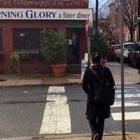 Foto tirada no(a) Sam's Morning Glory Diner por bj j. em 12/18/2012