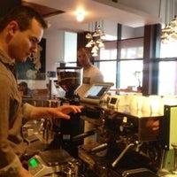 Das Foto wurde bei Tiago Espresso Bar + Kitchen von Michael Anthony am 6/5/2013 aufgenommen