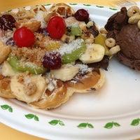 2/2/2013 tarihinde BANUziyaretçi tarafından Choco Bons Waffle'de çekilen fotoğraf