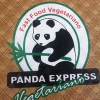 Foto scattata a Panda Express Vegetariano da Laura M. il 3/19/2013