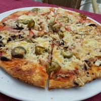 Photo taken at Pizzeria Pasta Palazzo by Lexi on 7/20/2016
