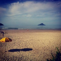 Photo taken at Praia de Juquehy by Gabriel B. on 2/12/2013