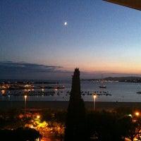 Foto tomada en Trias Hotel por Bert S. el 9/20/2012