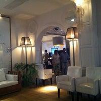 Foto tomada en Trias Hotel por Bert S. el 9/16/2012