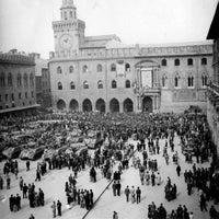 Foto scattata a Piazza Maggiore da Associazione Succede solo a B. il 4/21/2013