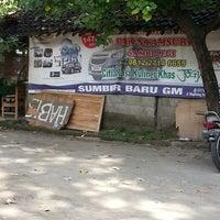 Photo taken at Sate Kambing Pak Syamsuri by Heri K. on 7/27/2013