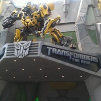 Foto tirada no(a) Transformers The Ride: The Ultimate 3D Battle por Carmen Chia em 12/10/2012