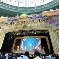Photo taken at Lotte World Garden Stage by 토마스 on 10/7/2012