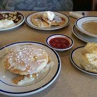 Photo taken at Bob Evans Restaurant by Jeanette H. on 7/21/2014