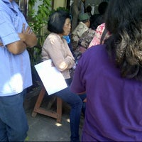Photo taken at Sekretariat Kecamatan Gubeng by Nidhiya P. on 10/8/2012