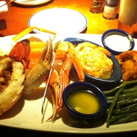 Photo taken at Red Lobster by Teliane M. on 11/19/2013