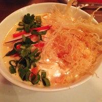 Foto tirada no(a) Lanna Thai Fusion Cuisine por Ramiro B. em 12/13/2014
