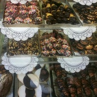 Photo taken at Moishe's Bake Shop by Malky L. on 7/6/2016