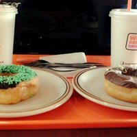 Photo taken at Dunkin Donuts by Mohammad Fadli M. on 8/13/2014