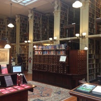 Photo taken at Providence Athenaeum by anomalily on 4/11/2016