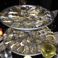 รูปภาพถ่ายที่ The Mermaid Inn โดย Chafic C. เมื่อ 10/25/2012
