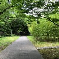 Photo taken at 藤田邸跡公園 by tsuyoran on 7/1/2018