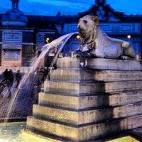 Foto tomada en Piazza del Popolo por Manny G. el 2/23/2013