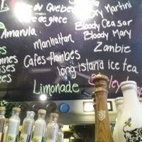 Photo taken at Café Bistro L'Omelette by Ryan J. on 9/16/2013