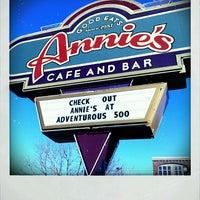Снимок сделан в Annie's Cafe & Bar пользователем BigRyanPark 2/18/2012