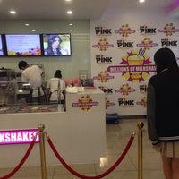 Photo taken at millions of milkshakes by Tang S. on 6/9/2014