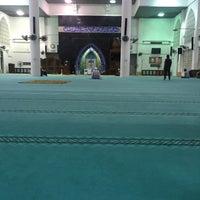 Photo taken at Masjid Kolej Islam Pahang Sultan Ahmad Shah by Syamil R. on 9/21/2015